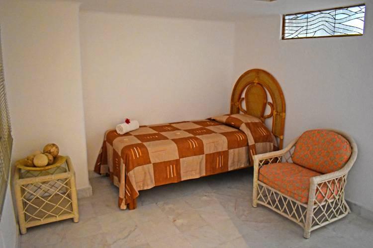 Suites Vacacionales en Ixtapa Zihuatanejo. Suites en renta para 10, 20, 30 personas en Ixtapa Zihuatanejo. Suites con vista al mar en Ixtapa Zihuatanejo. Suites con cocina en Ixtapa Zihuatanejo. Suites con Alberca en Ixtapa Zihuatanejo. Rentas Vacacionales en Ixtapa Zihuatanejo